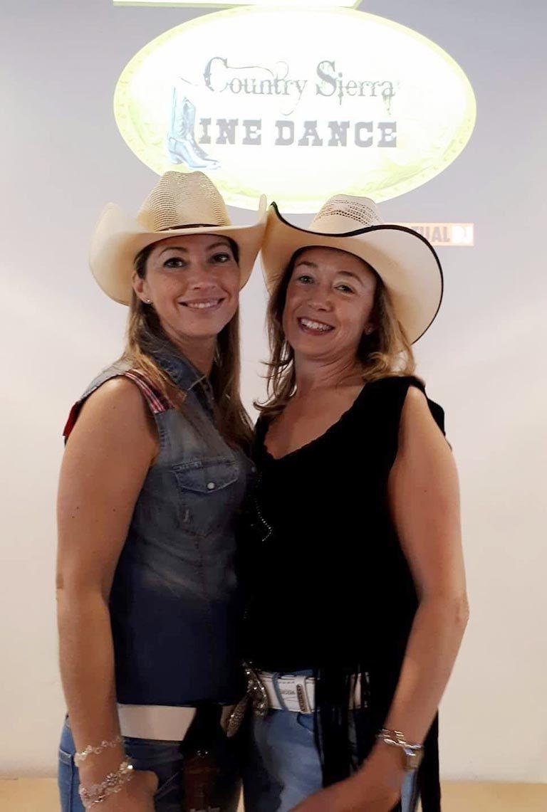 VII Aniversario Country Sierra - Montse Chafino y Araceli Capitan