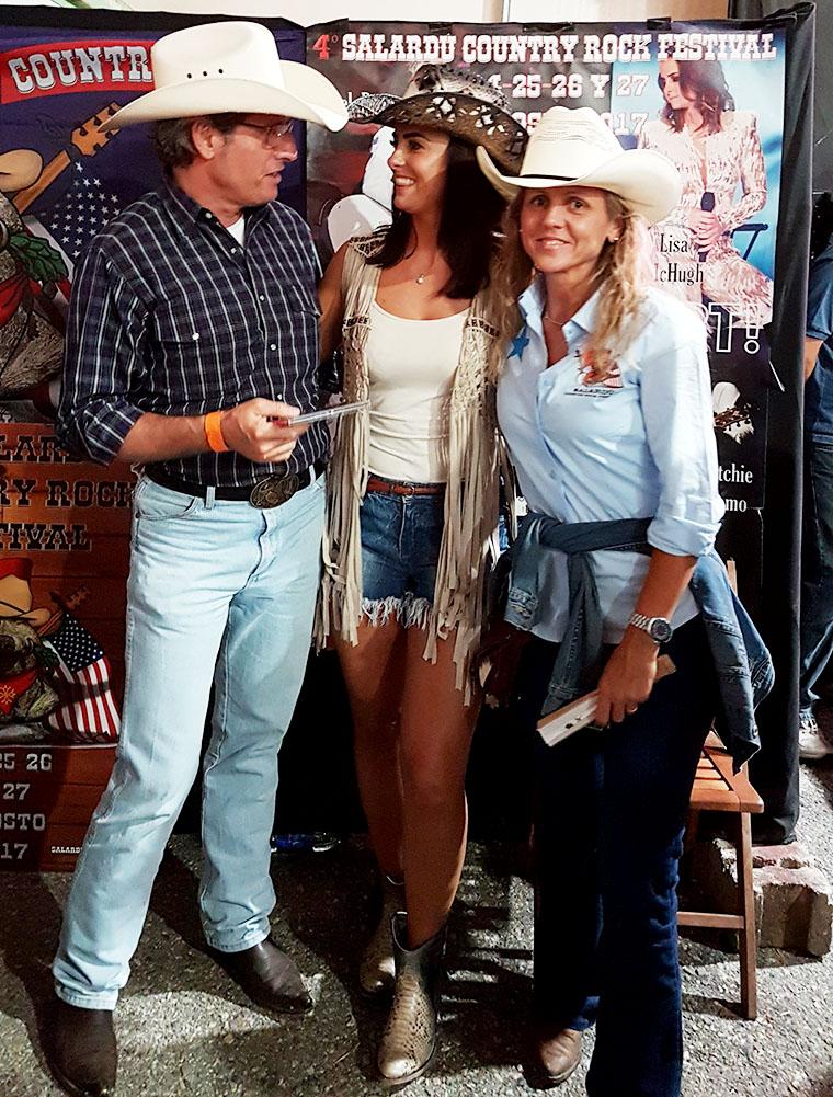 Lisa McHugh con Xavi y Maria